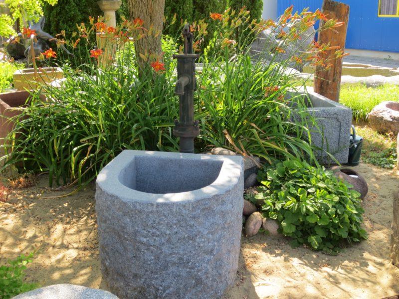 Brunnen-spaltrauh, mit Halbrund 72x62xh60
