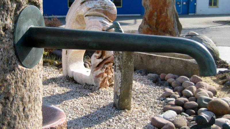 Zubehör: Wasserspeier aus Bronze,patiniert, 26 cm lang