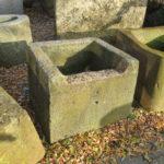 Brunnen antik eckig