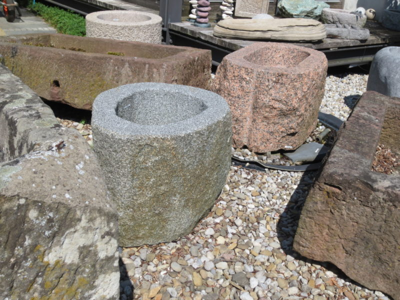 Brunnen aus Granitfindling BWk002 (2)
