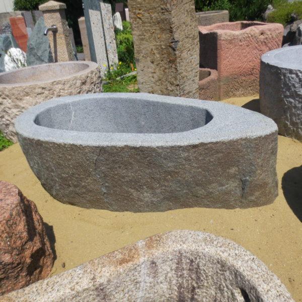 Findlingsbrunnen