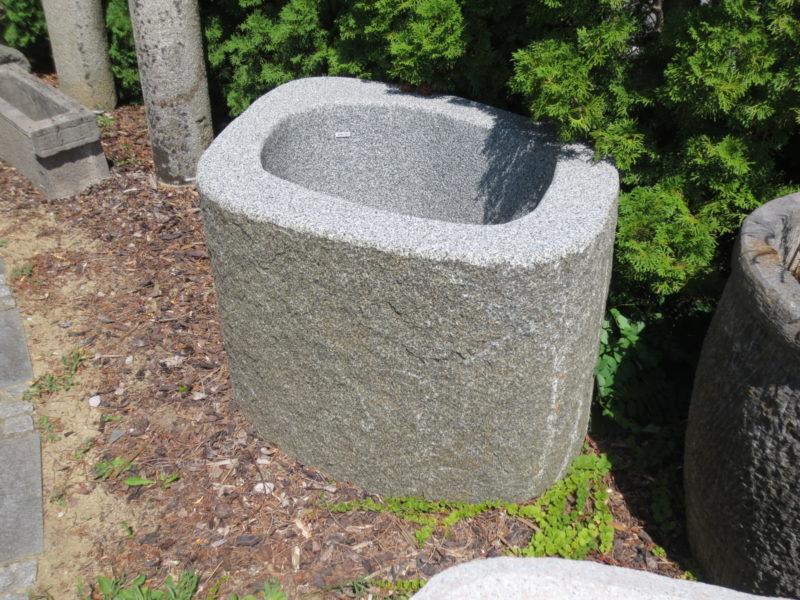 Granitbrunnen Garten