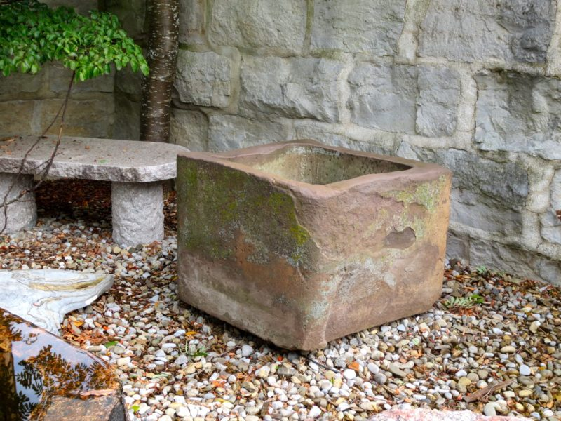 Steinbrunnen