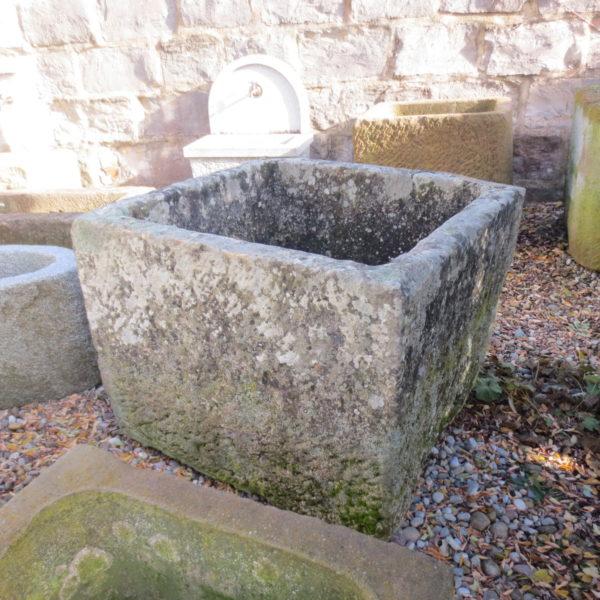 Antikbrunnen