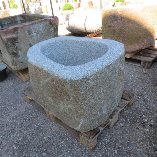 Brunnen aus Granitfindling 105x80h58cm BWk030 (3)