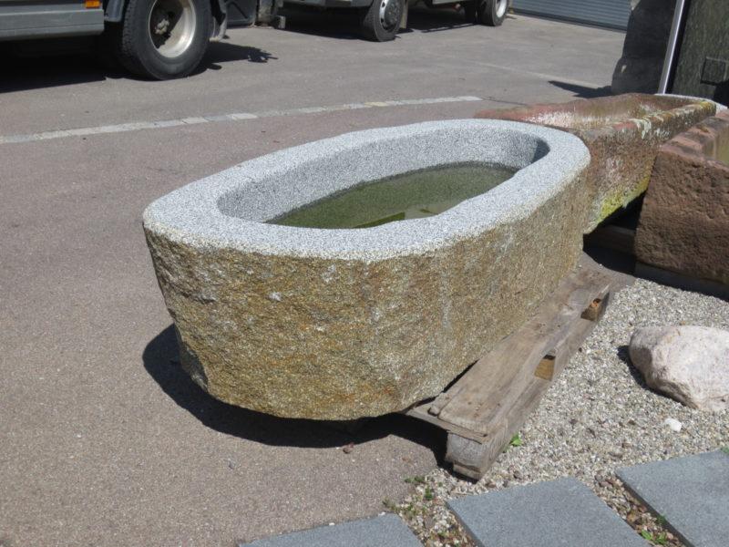 Steinbrunnen Granit